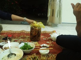 Rice wine soaking in ginseng